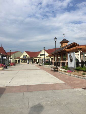 Woodbury Common Premium Outlets (Central Valley, NY): Top