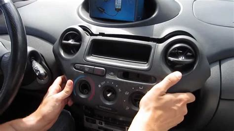 GTA Car Kits - Toyota Echo 1999-2005 install of iPhone and