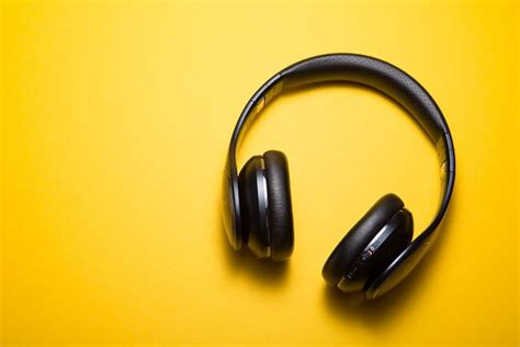 Fix: No sound from headphone in Windows 10, 8