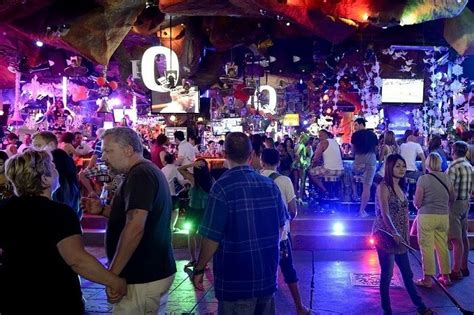 12 Experiences Of Nightlife In Phuket One Must Witness!