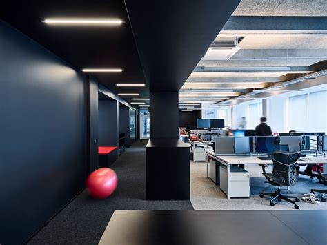 Office Tour: American Video Game Company Offices – Berlin