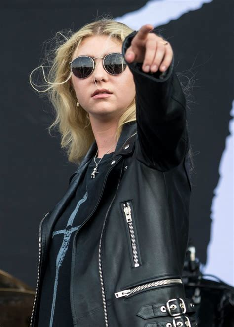 Taylor Momsen - Biography, Height & Life Story | Super