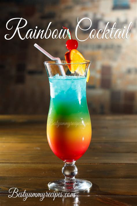 Rainbow Cocktail | Tropical cocktail in glass www