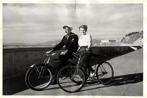 A Century of Love in San Francisco, Told in Vintage Photos