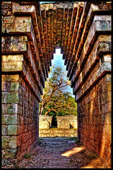 Mayan Arch / Arco Maya   The prevalence of this spanning